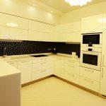Кухня на заказ в квартиру-студию