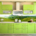 Кухня вашей мечты Фартук для кухни Кухонный фартук из пластика полезные советы материалы характеристика размеры кухонного фартука глянцевая кухня современная кухня зеленая кухня фото
