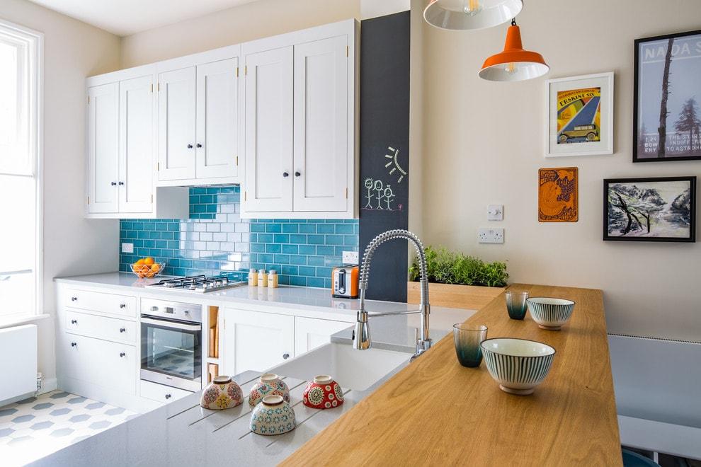 Белая кухня. Какой оттенок выбрать?
