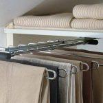 Наполнение шкафа купе фурнитура для шкафов купе открытые полки выдвижные ящики варианты наполнения советы профессионалов комплектующие для размещения брюк фото