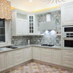 Кухня вашей мечты Белая кухня фото полезные советы материалы характеристика размеры сочетание цветов яркие акценты на белой кухне красивый фартук фото