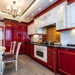 Кухня вашей мечты Красно-белая кухня полезные советы материалы характеристика размеры сочетание цветов яркие акценты на белой кухне классическая кухня фото