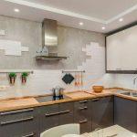 Кухня вашей мечты Фартук для кухни Кухонный фартук из керамической плитки полезные советы материалы характеристика размеры кухонного фартука белый кухонный фартук фото