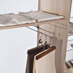 Наполнение шкафа купе фурнитура для шкафов купе открытые полки выдвижные ящики варианты наполнения советы профессионалов брюки висят фото