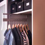 Наполнение шкафа купе фурнитура для шкафов купе открытые полки выдвижные ящики варианты наполнения советы профессионалов выдвижная перекладина фото