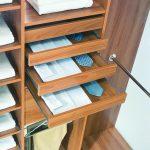 Наполнение шкафа купе фурнитура для шкафов купе открытые полки выдвижные ящики варианты наполнения советы профессионалов выдвижные полки фото