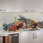 Кухня вашей мечты Фартук для кухни Кухонный фартук из мозаики полезные советы материалы характеристика размеры кухонного фартука фрукты фото