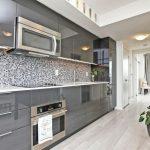 Кухня вашей мечты Черно-белая кухня полезные советы материалы характеристика размеры сочетание цветов яркие акценты на белой кухне цветы на кухне фото