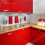 Кухня вашей мечты Красно-белая кухня полезные советы материалы характеристика размеры сочетание цветов яркие акценты на белой кухне фото