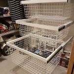 Наполнение шкафа купе фурнитура для шкафов купе открытые полки выдвижные ящики варианты наполнения советы профессионалов металлические корзины в шкафу фото