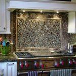 Кухня вашей мечты Фартук для кухни Кухонный фартук из мозаики полезные советы материалы характеристика размеры кухонного фартука красивый фото