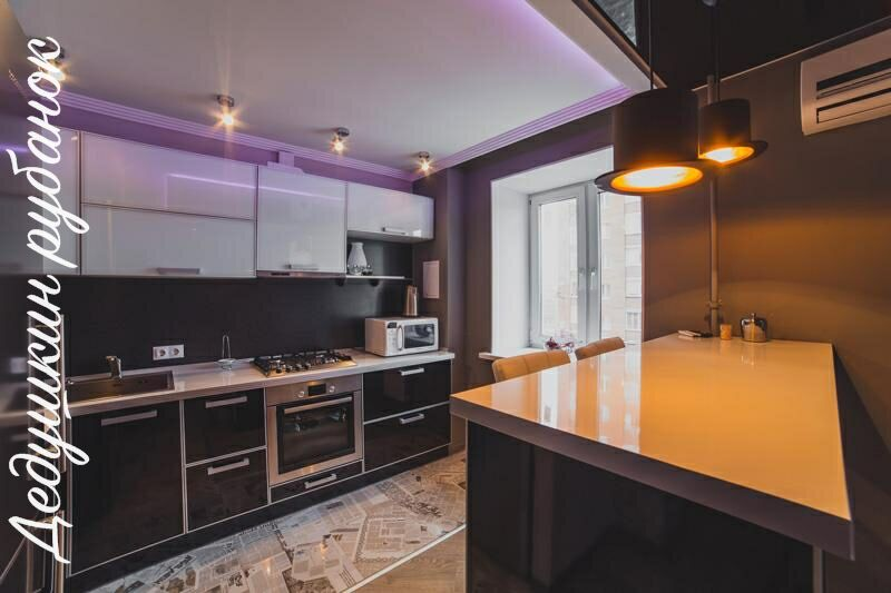 Кухня на заказ Акрил. Стильные кухни под заказ от производителя в Томске, индивидуальное производство. Кухни на заказ недорого, дизайн бесплатно.