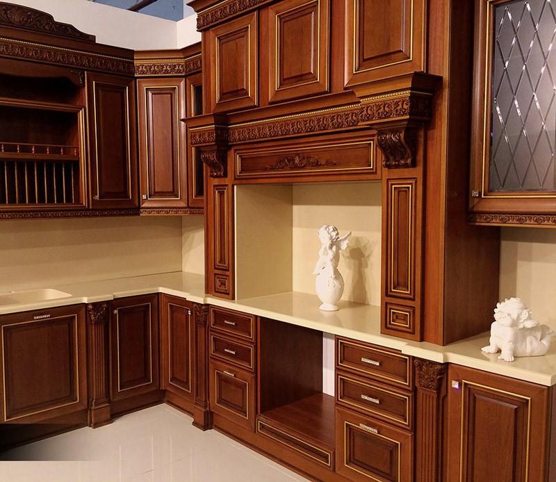 Из каких материалов изготовить кухню Кухня вашей мечты Материал для изготовления фасадов для кухонного гарнитура Кухня из массива дерева фото