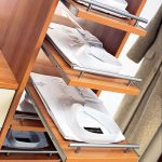 Наполнение шкафа купе фурнитура для шкафов купе открытые полки выдвижные ящики варианты наполнения советы профессионалов выдвижные полки для рубашек фото