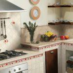 Кухня вашей мечты Фартук для кухни Кухонный фартук из керамической плитки полезные советы материалы характеристика размеры кухонного фартука кухня на даче фото