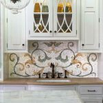 Кухня вашей мечты Фартук для кухни Кухонный фартук из мозаики полезные советы материалы характеристика размеры кухонного фартука свежие идеи фото