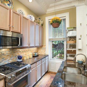 Кухня вашей мечты ТОП-6 планировок для кухни Двухрядная планировка кухни стиль кантри варианты исполнения фото
