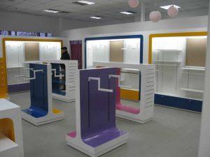Торговая мебель в Томске от производителя. Торговые прилавки, торговые стеллажи, торговая мебель на заказ по индивидуальным проектам.